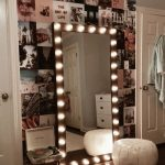 20+ Vanity Mirror with Lights Ideas (DIY or BUY) for Amour Makeup Room - pinturest