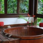 35 Elegant Japanese Bathroom Style For Natural Bathroom Inspirations - DEXORATE