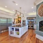 50 Kitchens with Fireplaces (Photos)