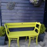 Diy garden bench of two old kitchen chairs. Nice ... - #Bench #Chair #Chairs #DI...