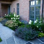 Garden // front yard / beautiful / country house - Small Front Yard Garden