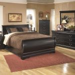 Huey Vineyard Black Dresser (B128-31)