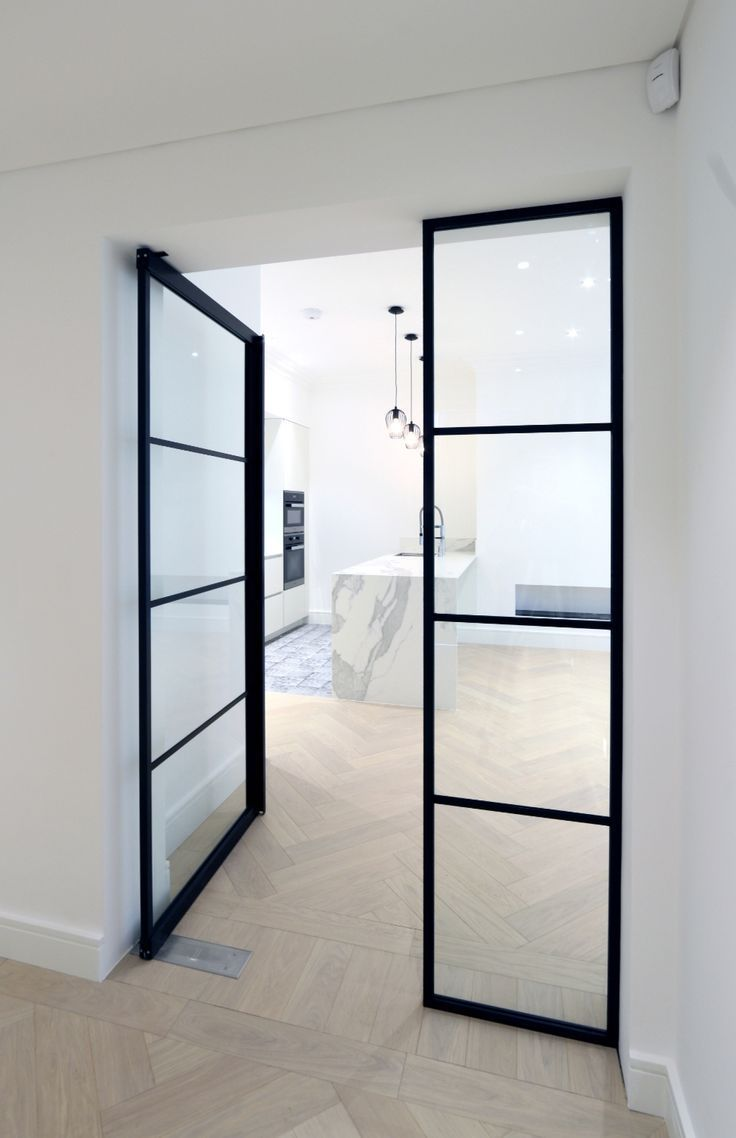 IQ Glass recently installed their new Mondrian internal doors to this modern hom…