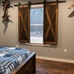 In the era of sleek, modern design, rustic style is still favored for its old-school charm. Rustic bedroom furniture, for example, reflects the simpler and homie appeal of a farmhouse. Such furniture ... - Pin Coffee