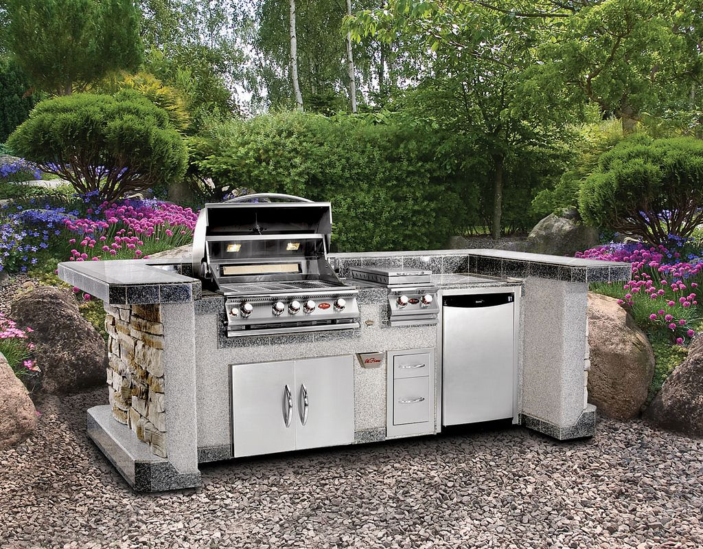 Incredible Modular Outdoor Kitchens with Furniture