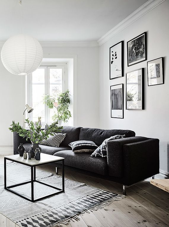 Living room in black, white and gray with nice Gallery wall. The Best of home interior in 2017. – Home Decor Ideas