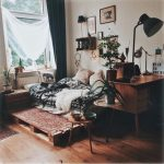 More classic house decor with Persian carpet, #bohemianbedroom #bohemiandecor - Pin Coffee