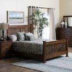 Oak Queen Bedroom Set with Dresser, Nightstand, & Mirror