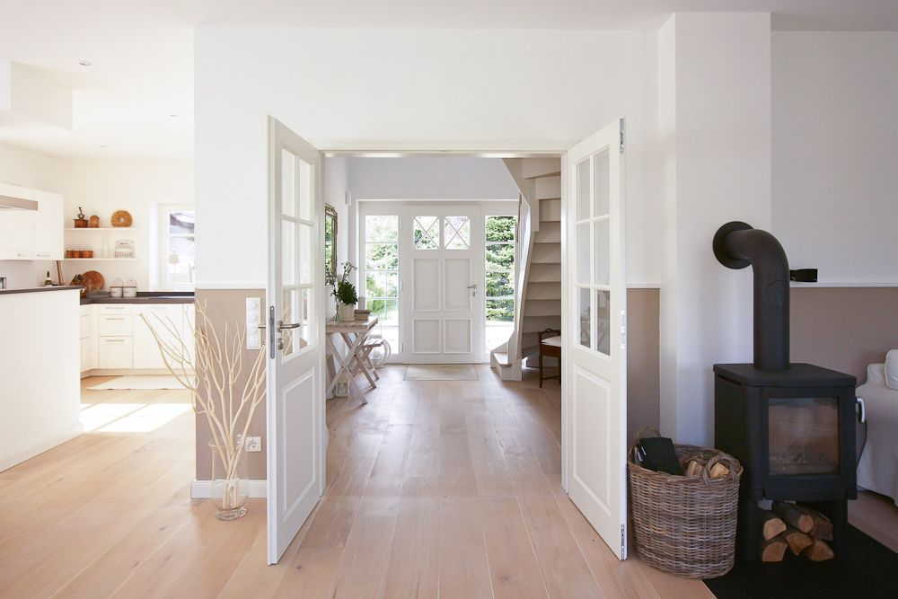 So clean, airy and uncluttered!