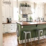 Welcome to this beautiful, light, bright #farmhouse #Kitchen! What a gorgeous sh...